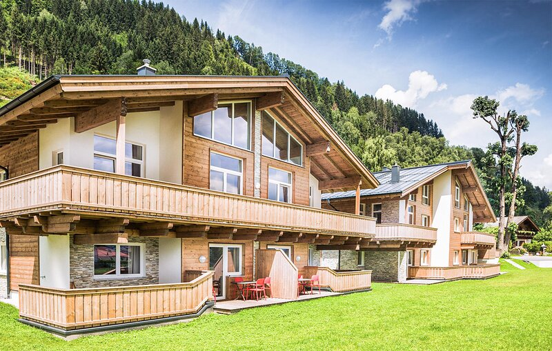 Nice apartment in Zell am See with WiFi and 2 Bedrooms (ASA256), holiday rental in Bruckberg