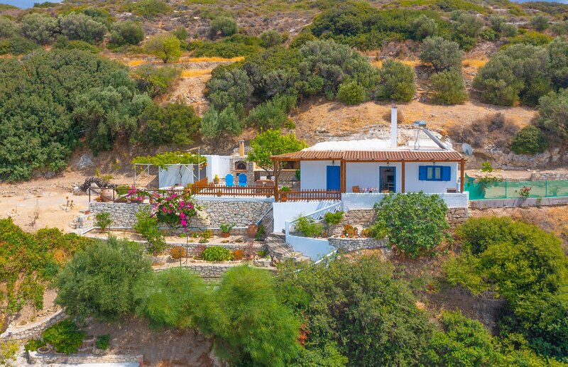 [NEW] The Rock & The Lemon Tree, vacation rental in Tripitos