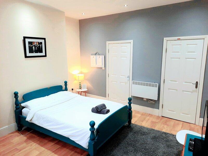 Remarkable studio Apartment in Shipley, aluguéis de temporada em Bradford
