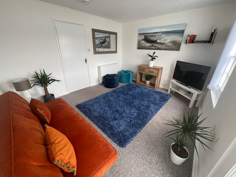 Historic grade II listed high street townhouse with stunning harbour views., vacation rental in Mylor Churchtown