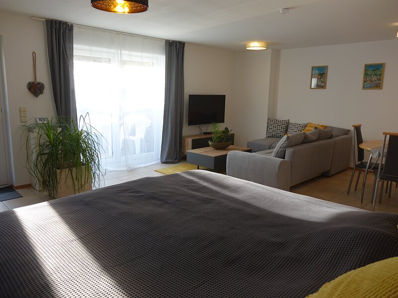 Exklusive kuschelige Wohnung im ♥ Frankens/Europa, holiday rental in Creglingen