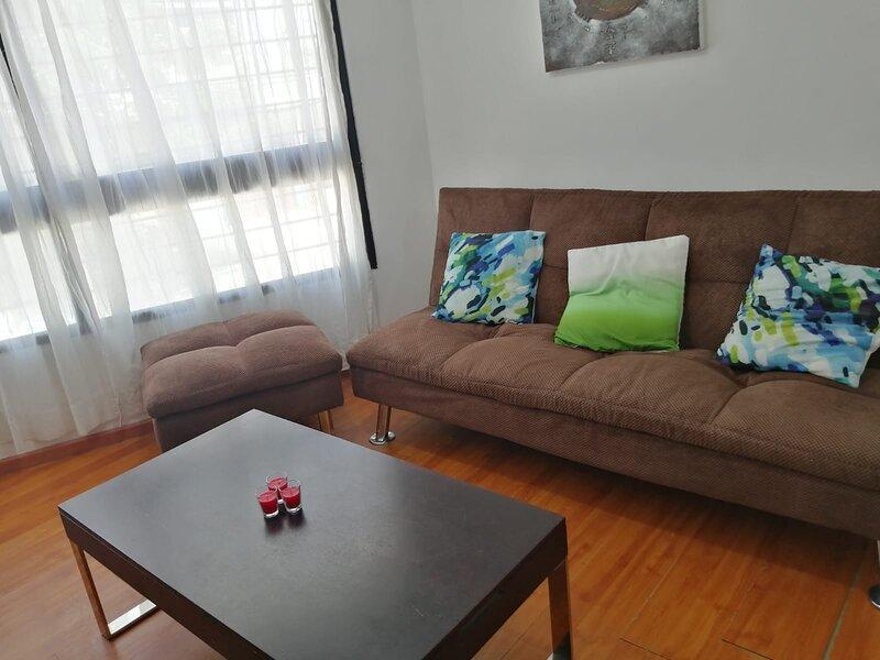 ¡EXCELENTE APTO LUMINOSO, EQUIPADO Y SEGURO!!!!, alquiler de vacaciones en Montevideo