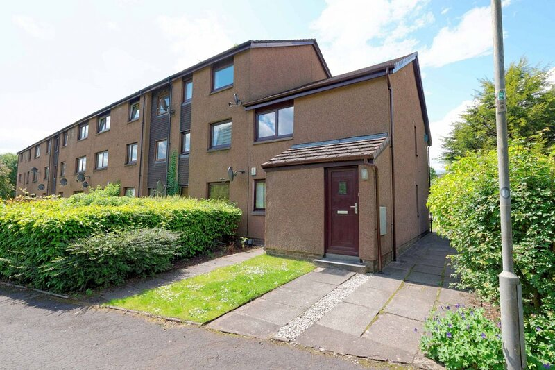 1 Bed flat in Westend with parking,  Cop 26, holiday rental in Clydebank