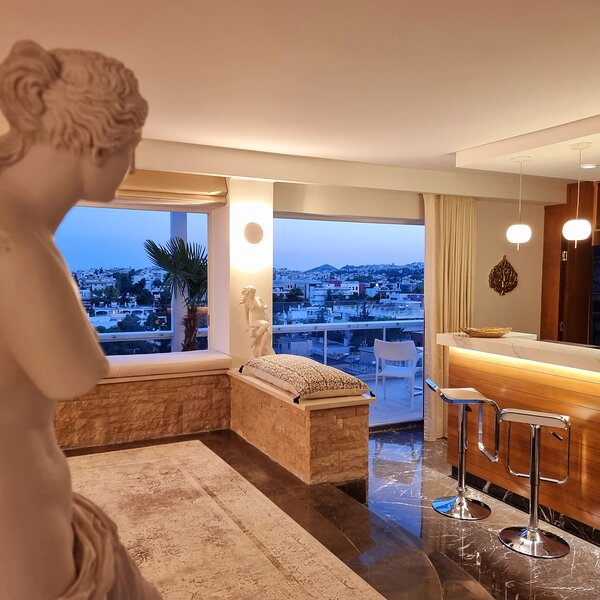 The One 360 Skyline Athens Penthouse, holiday rental in Chalandri