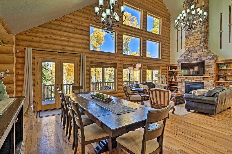 Spacious Mtn. Manor <1 Mi to Brian Head Resort!, alquiler de vacaciones en Summit