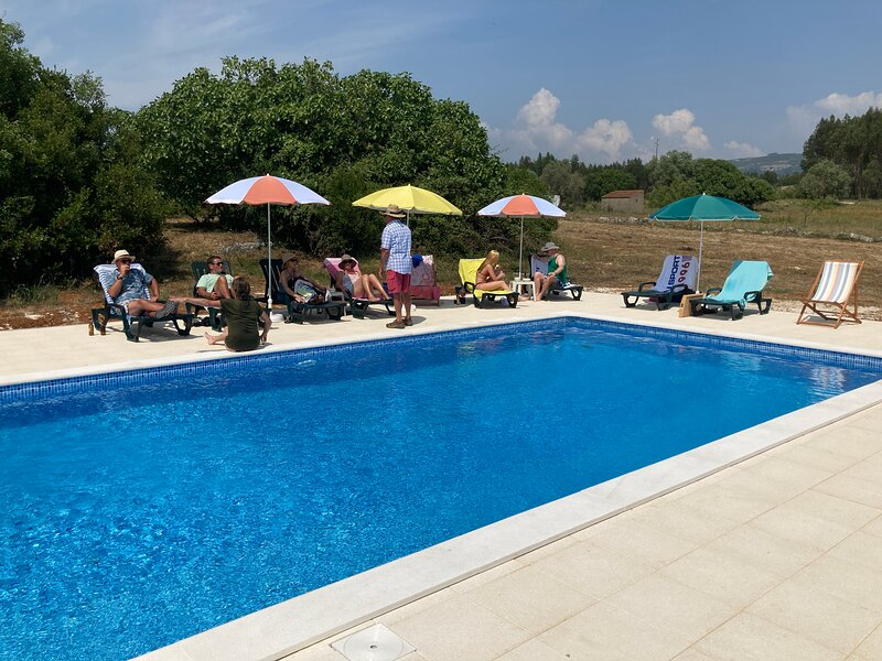 Casas do Carvalho, mooi ingerichte vakantiehuisjes in Portugese stijl., holiday rental in Alcobertas