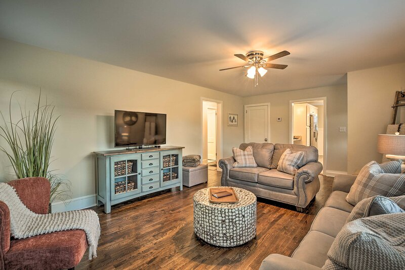 NEW! Idyllic Getaway w/ Deck ~ 4 Mi to Dtwn Athens, holiday rental in Good Hope