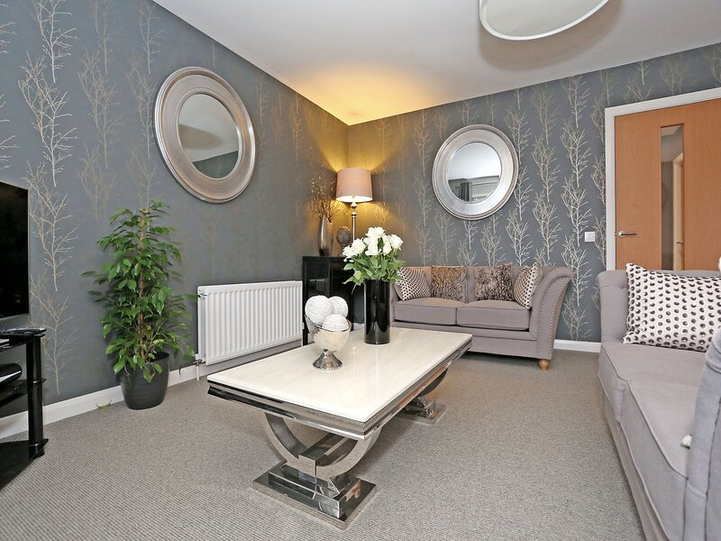 Comfortable Inverurie home close to train station, holiday rental in Blackburn
