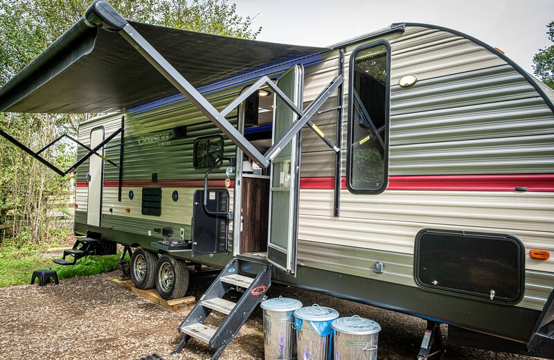 American Luxury Caravan - Secure Parking Llandeilo, casa vacanza a Llanfynydd
