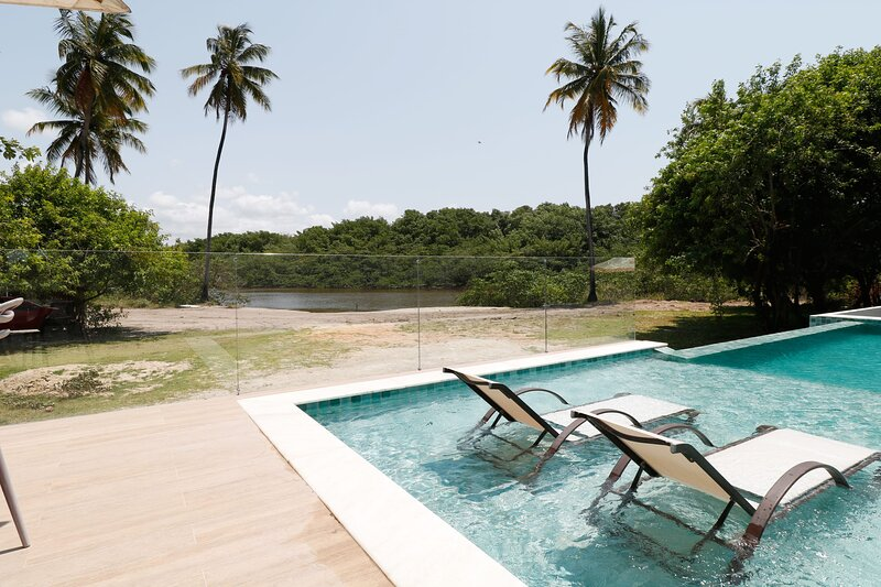 Maravilhosa casa em Milagres, com piscina privativa, aluguéis de temporada em Porto de Pedras
