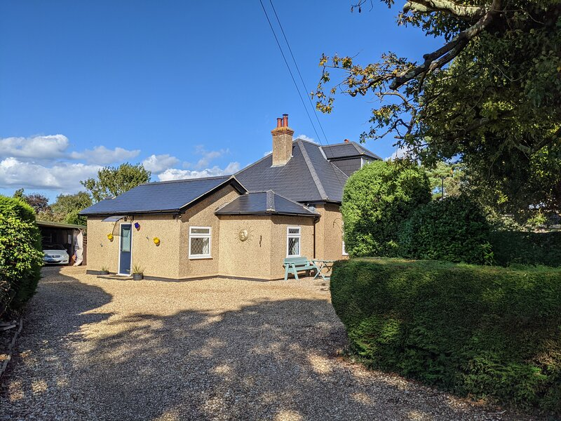 Beaches and Cream Cottage, holiday rental in Godshill