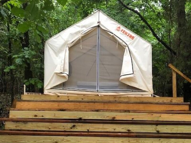 Tentrr Signature Site - Peaceful Table Rock Lake Retreat, casa vacanza a Ridgedale