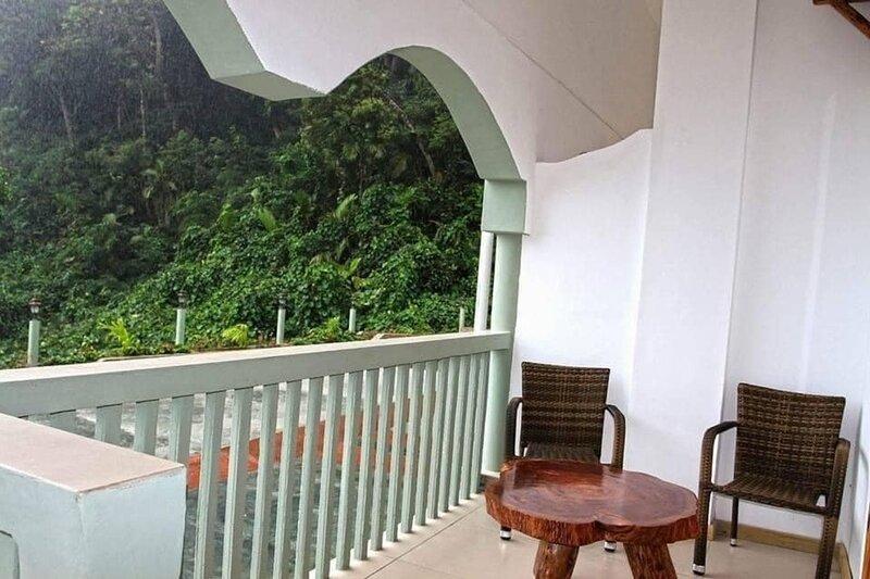 Charming 2-Bed House in Anse Royale, location de vacances à Anse La Mouche