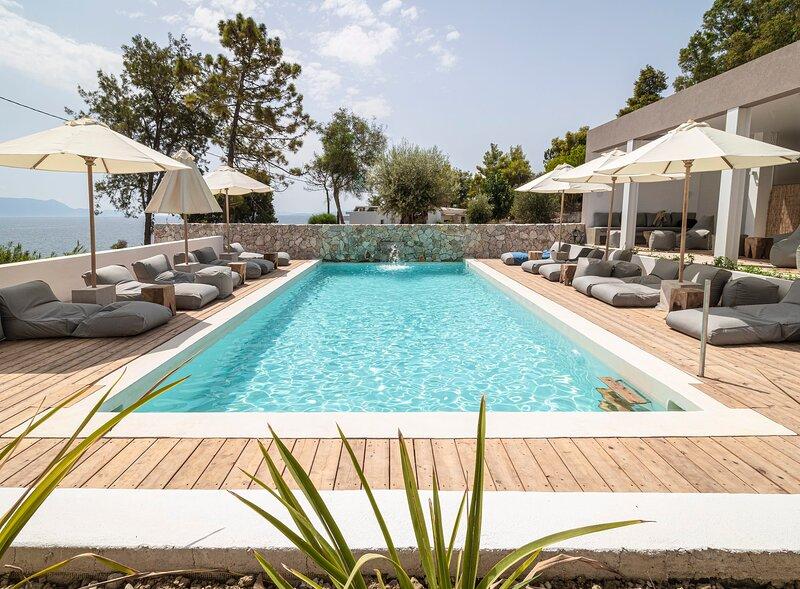 Arion Seaside Suites Apt 13, holiday rental in Palairos