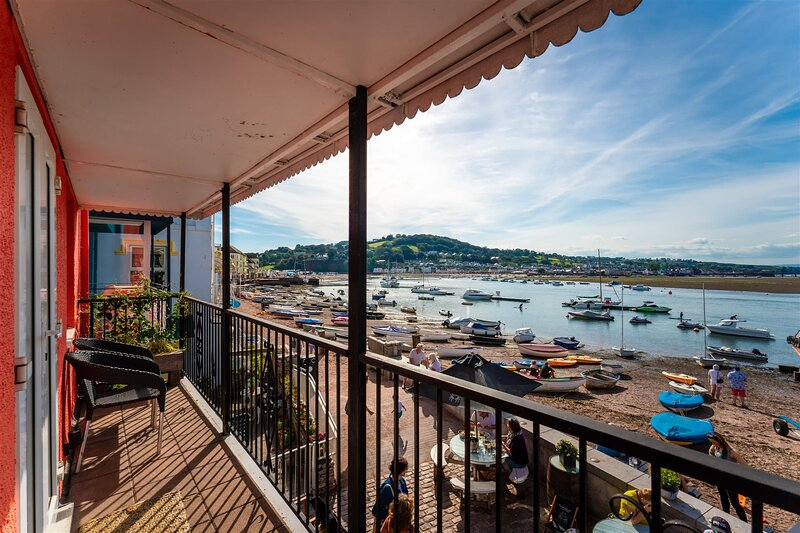 Crab Shack Apartment - Stylish Serviced Apartment on the Beach in Teignmouth, alquiler de vacaciones en Teignmouth