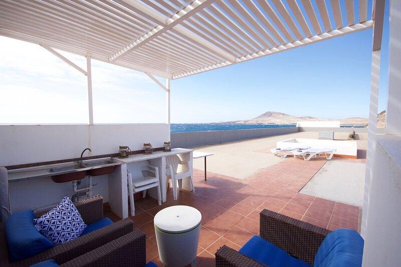 Casa Langostero Terraza, holiday rental in El Burrero