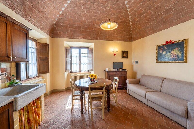 The Yellow Cottage in Via Fonte Vecchia, location de vacances à Casciana Alta