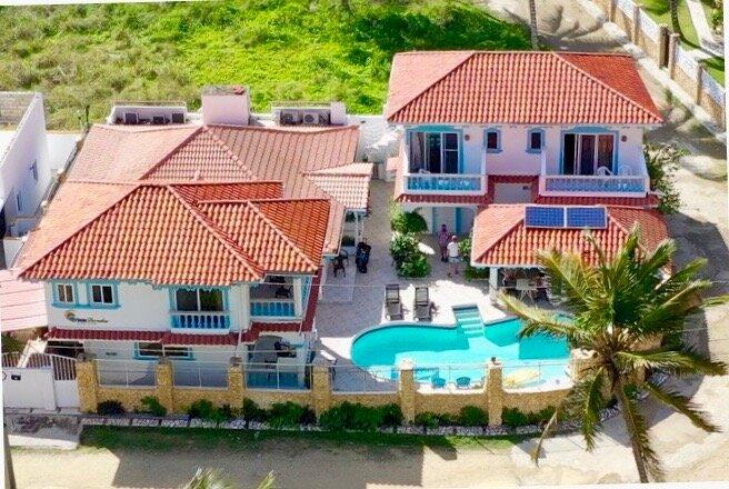 Brisas Doradas Beachfront Villa, location de vacances à Gaspar Hernandez