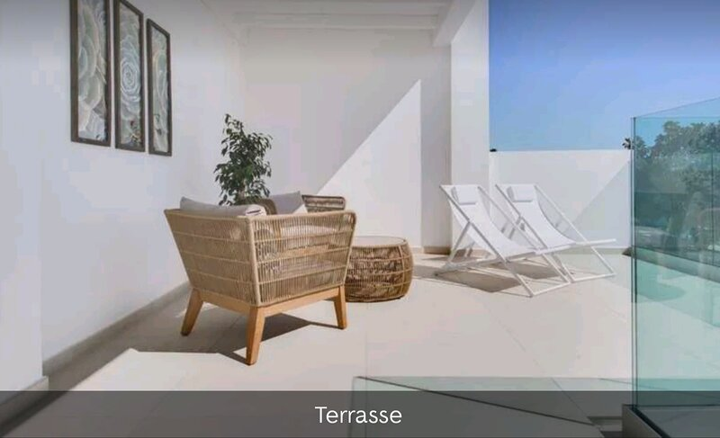 BRAND NEW - Villa with wonderful sea view and whirlpool / hot tube, alquiler de vacaciones en Costa Teguise