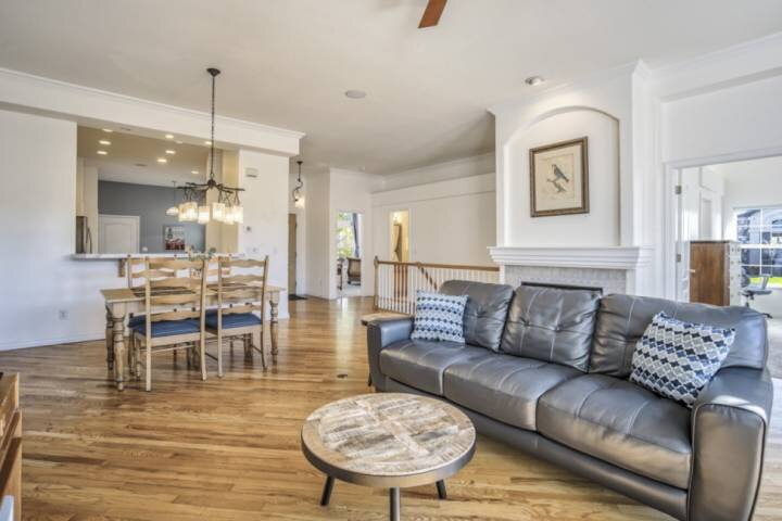 Corporate Rental, Cheyenne Mountain D12, Luxury Townhome, AC, Garage Parking, holiday rental in Fountain