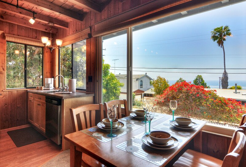 Cabin by the Sea in Cardiff, holiday rental in Cardiff-by-the-Sea