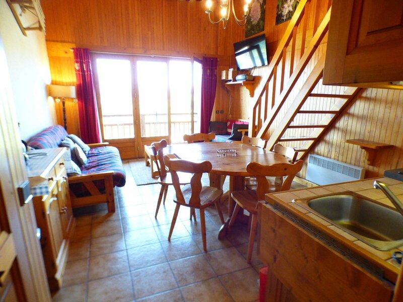 3 pièces mezzanine de charme 39 m² classé 2**, holiday rental in Hauteluce
