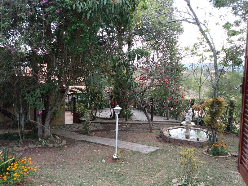 Chalé Nosso Canto um novo paraíso na montanha, natureza e tranquilidade, aluguéis de temporada em Paty do Alferes
