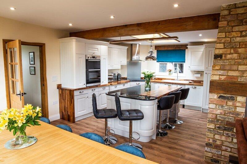 Luxury immaculate Barn in beautiful rural location, vacation rental in Brampton
