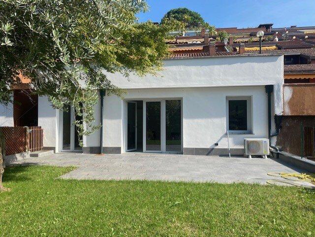 Casa con Giardino e piscina, holiday rental in Leggiuno