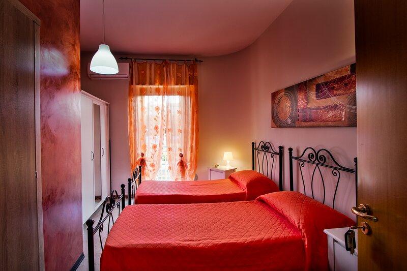 B&b My Sweet Home, Benvenuti nella calda atmosfera colorata del nostro B&b-Bari., location de vacances à Valenzano