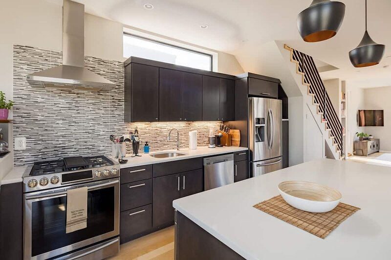 Explore the nation's capital in style, vacation rental in Capitol Heights