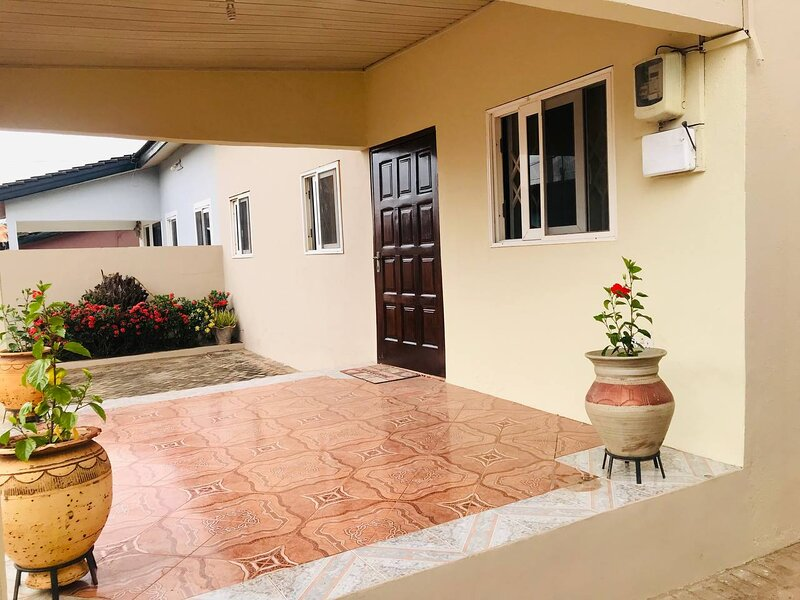 Moroccan Tile House in Estate by American House East Legon, holiday rental in Abokobi