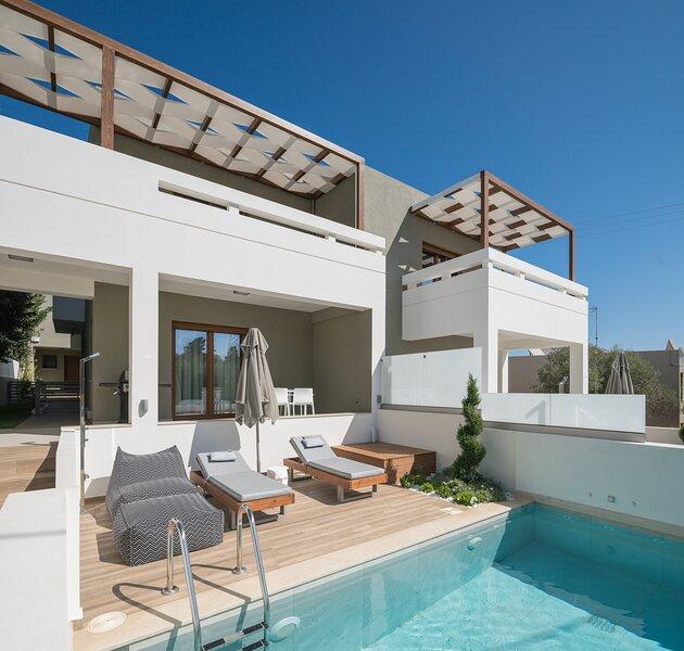 De.Light Boutique Villa II, a fine retreat!, holiday rental in Atsipopoulo