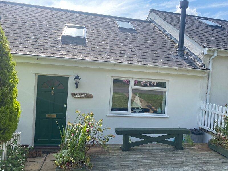 Daisy Cottage - luxury coastal getaway between Charmouth & Lyme Regis, casa vacanza a Lyme Regis