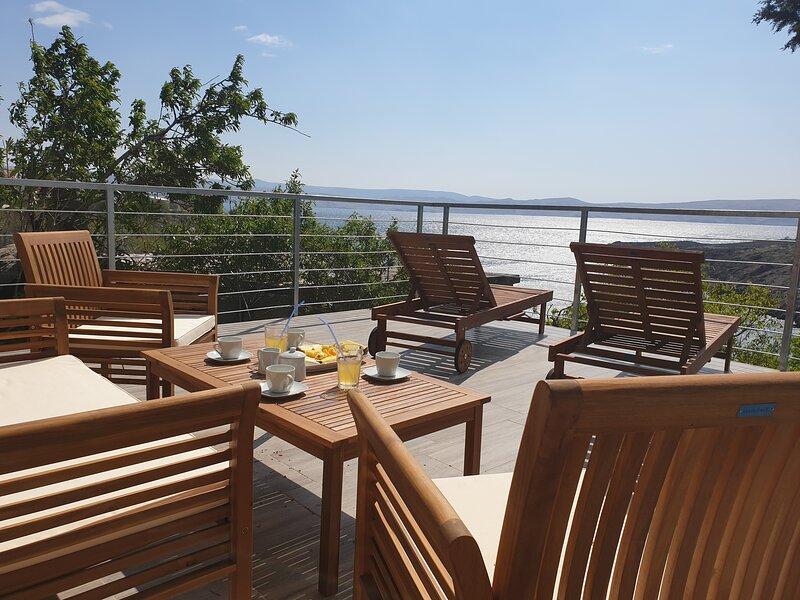 BEST VIEW APARTMENTS CESARICA - DODO, vacation rental in Prizna
