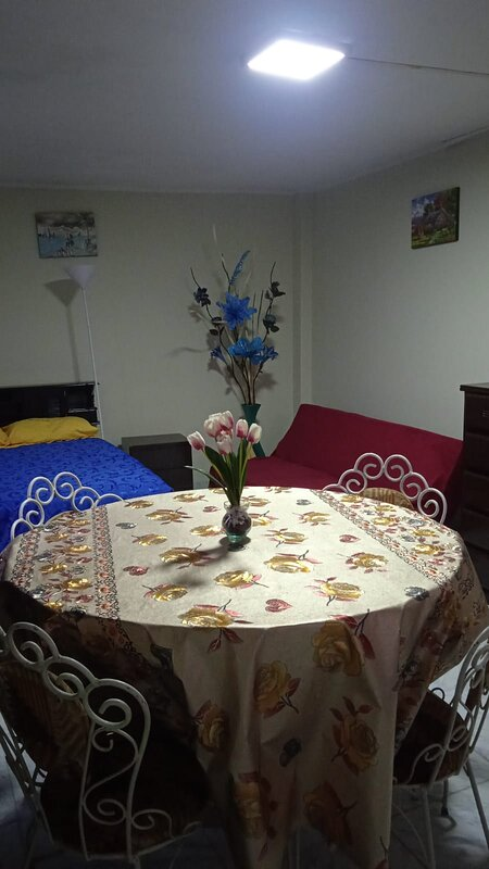 Studio with Kitchen and Bathroom, holiday rental in Los Olivos