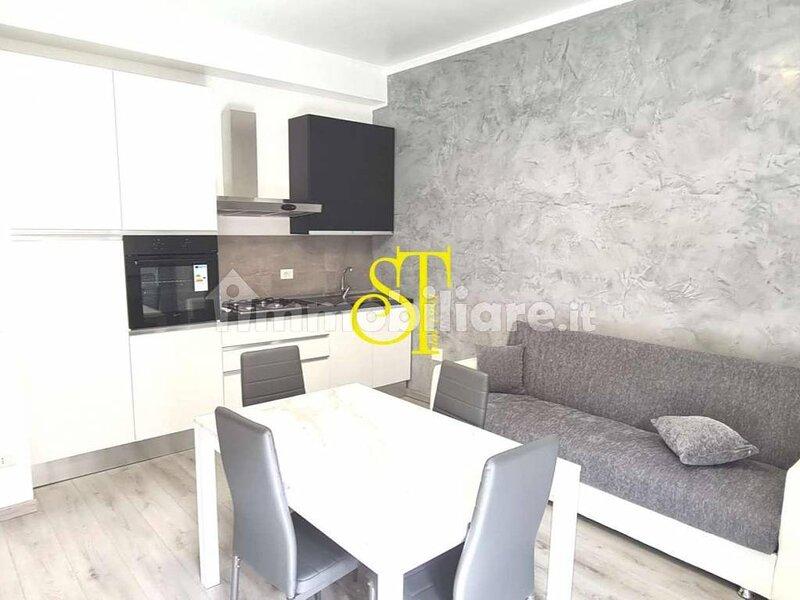 Appartamento di due locali sito in Via Graziano Imperatore, holiday rental in Brusuglio