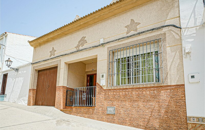 Beautiful home in Algamitas with WiFi and 5 Bedrooms (EAC579) – semesterbostad i Canete La Real