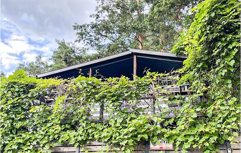 Stunning home in Gietrzwald with WiFi and 1 Bedrooms (PMA855), location de vacances à Wysoka Wies