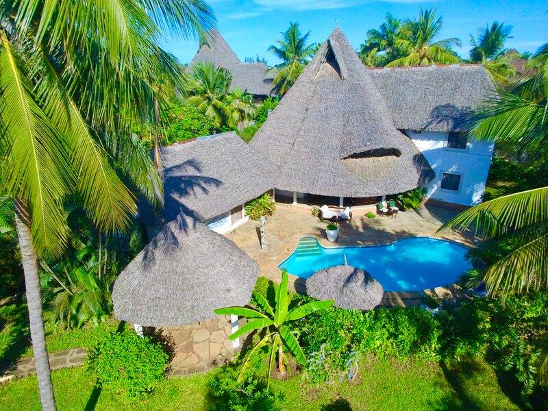 Villa Madinina - Private Pool, Wi-Fi, Gated Community, alquiler de vacaciones en Diani Beach