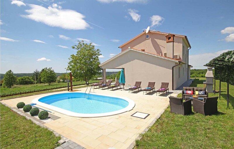 Amazing home in Sveti Petar u Sumi with WiFi, 5 Bedrooms and Outdoor swimming po, alquiler de vacaciones en Sveti Petar u Sumi