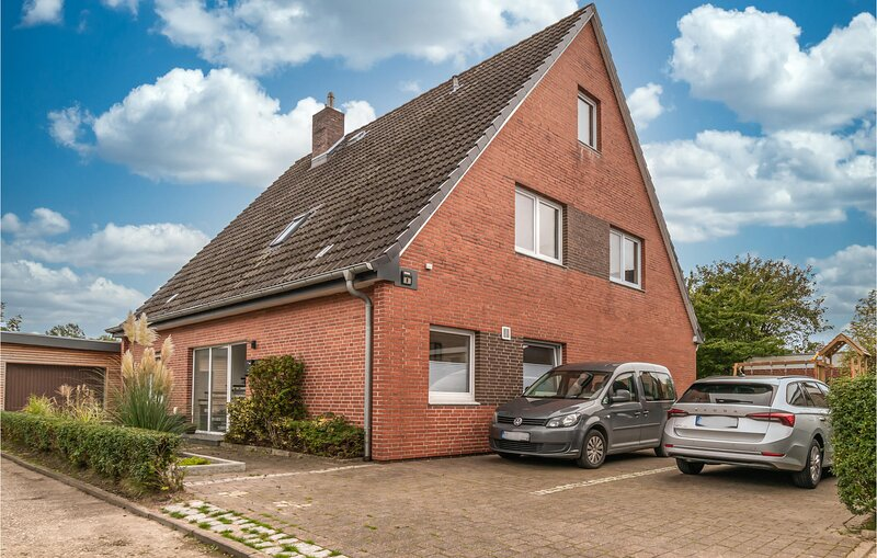Beautiful apartment in Büsum with WiFi and 2 Bedrooms (DSL108), vacation rental in Heide