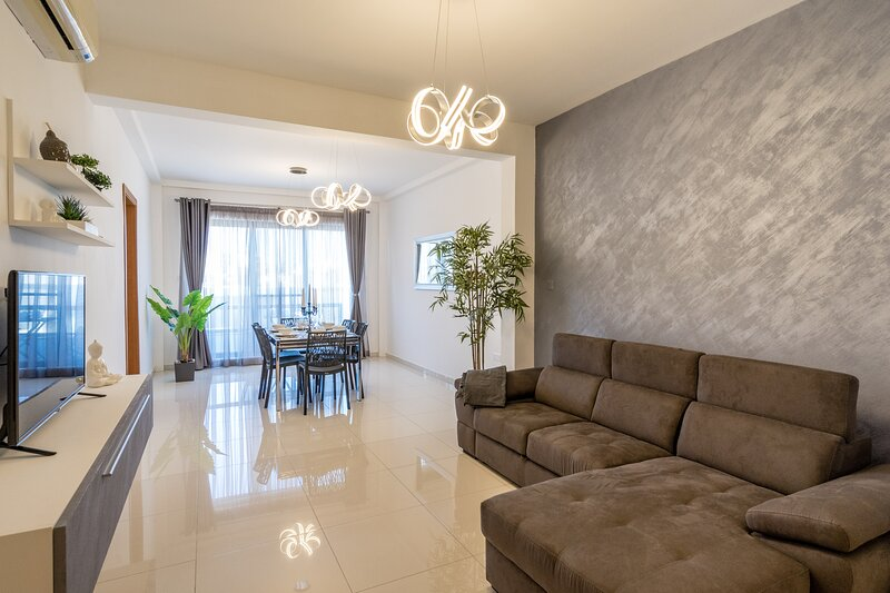 Brand New Apartment 2 Mins From The Sea-Central Bugibba (Fully A/C+Free Wifi), vacation rental in Salina