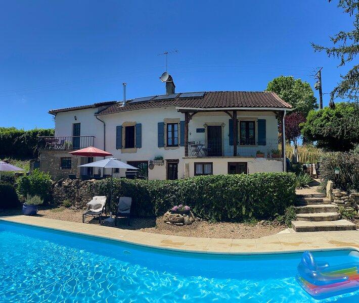 L'Ancienne Ecole with private pool, aluguéis de temporada em Parisot