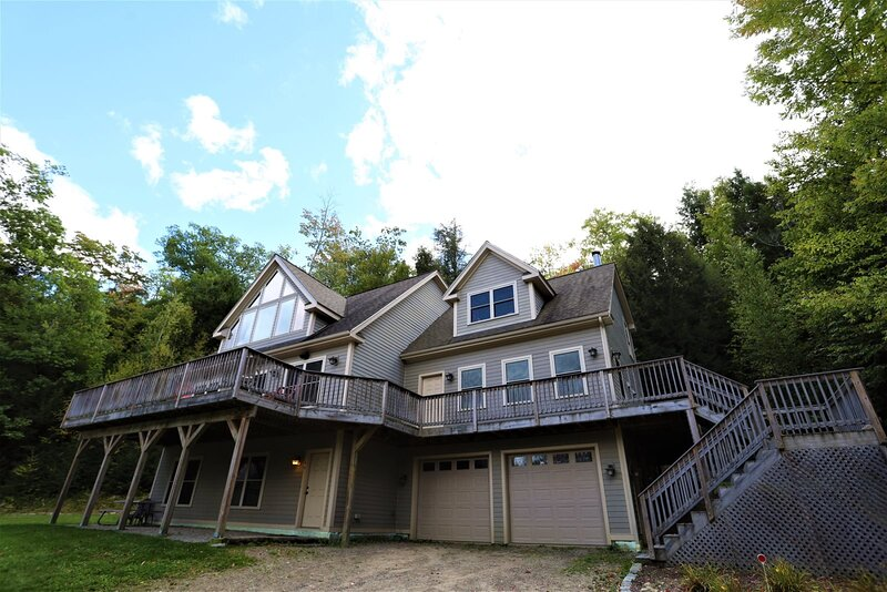 Private 4 Bedroom Home Close to Waterville Valley Resort, vacation rental in Campton