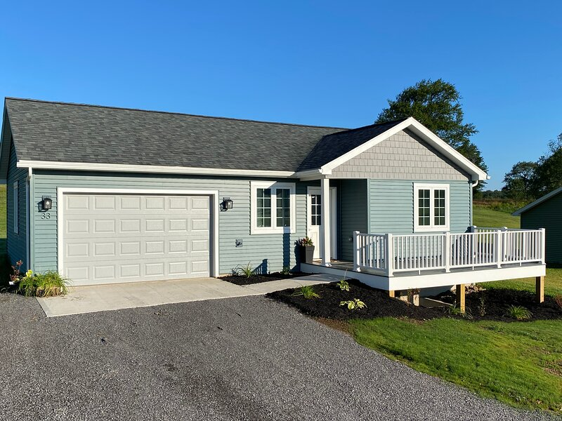 Brand new home in rural PA with UTV rentals, holiday rental in Harrison Valley