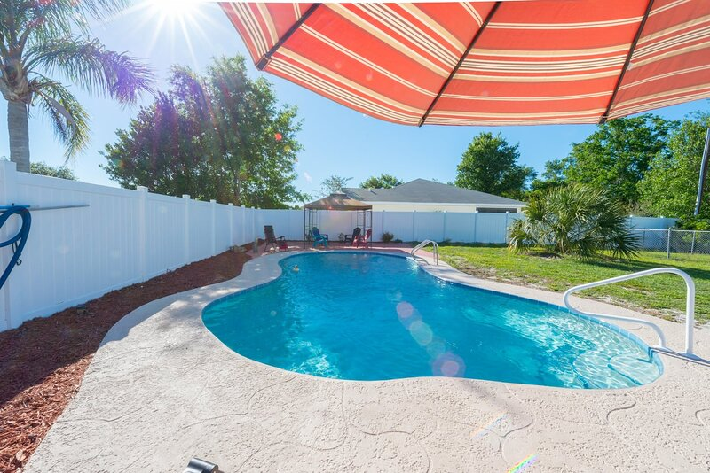 770 WORLD PERFECT GETAWAY TO DISNEY AND RETREAT CENTER, holiday rental in DeLand
