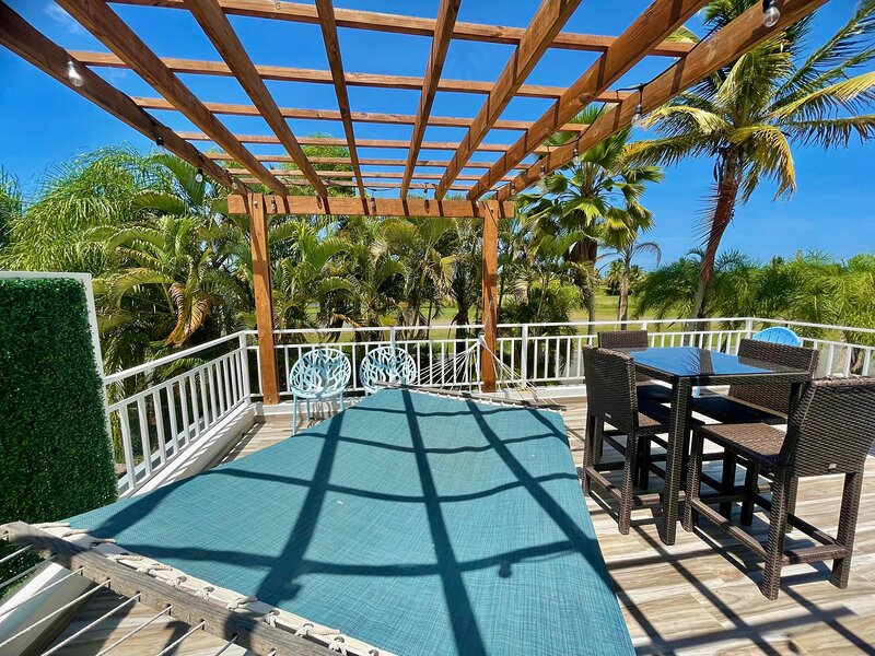 Amazing getaway home for 8! Beach, Pool and Golf!, holiday rental in Rio Grande
