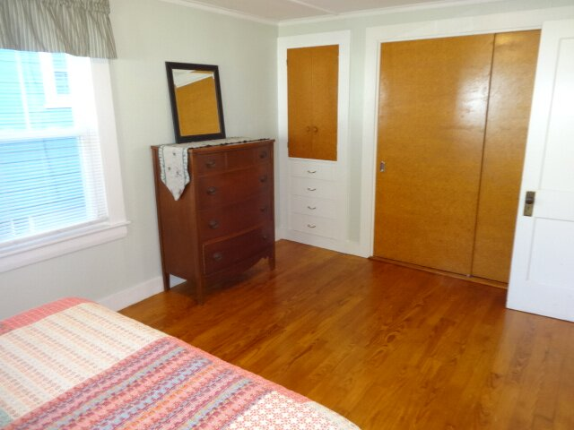 Big Dragonfly's Compound-- 3 BR 2 BA between two separate units in the Village o, vacation rental in Otter Creek