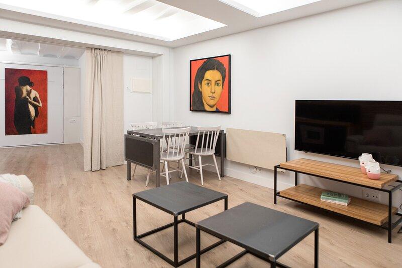 Nectario: Apartamento de lujo en el centro de Logroño, vacation rental in Viana
